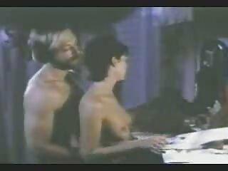 Kitty garganta profunda más caliente de videos trios reales la clase!