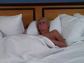 Warp factor 1. Parte II-Elizabeth Thorne, Violet Monroe videos xxx gratis reales